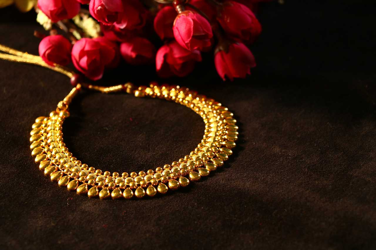 Yellow Gold Choker Necklace Designs