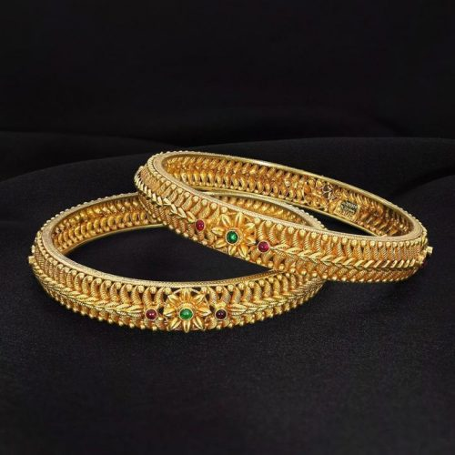 Womens Bangle Design in Gold