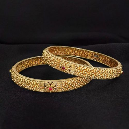Flower Bangle Design in Gold with Weight