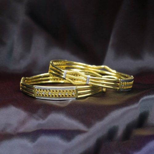 Womens Gold Bangle in 10 grams