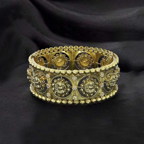 Womens Gold Kangan Designs with Weight